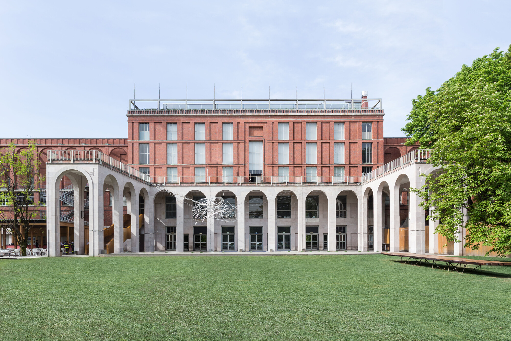Call for applications for position of director general for Viale alemagna 6 milano