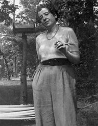 essays on hannah arendt Immediately download the hannah arendt summary, chapter-by-chapter analysis, book notes, essays, quotes, character descriptions, lesson plans, and more - everything you need for studying or teaching hannah arendt.